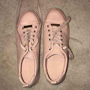 Nude/pink sneakers